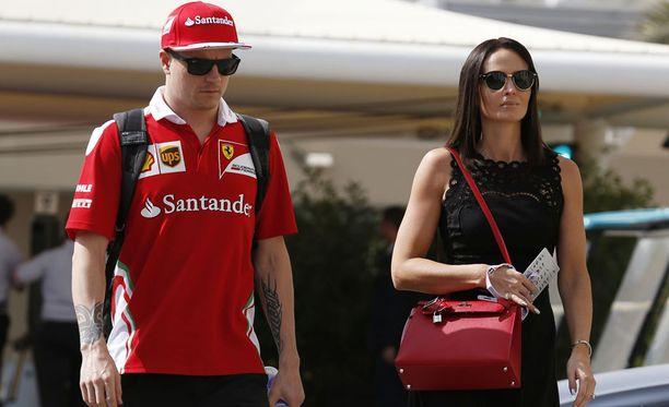 Kimi ja Minttu Räikkönen nauttivat Gstaadin maisemissa viimeisistä viikoista ennen hektisen F1-kauden alkamista.