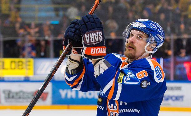 Pekka Saravo lopetti Suomen mestaruuteen.
