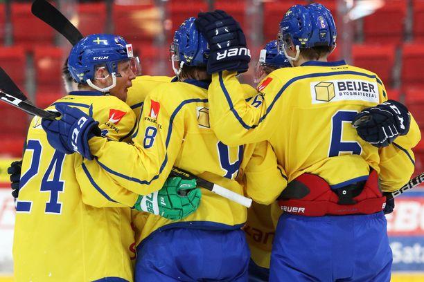 Ruotsissa urheilusarjat jatkuivat koronaviruksesta huolimatta pitkään. Kuvituskuvan urheilijat eivät liity juttuun.