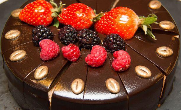 Lehtihopeaa käytetään muun muassa kakkujen koristelussa.