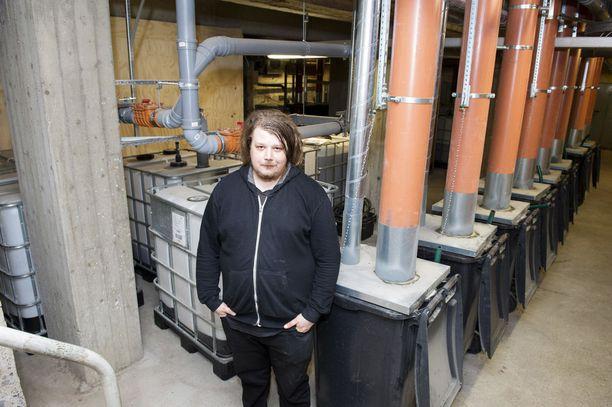 Kaupunkikulttuurihalli Kuivaamon sanitaatio on toteutettu paikan päälle rakennetuilla kuivakäymälöillä, joita on enemmän kuin missään muualla Suomessa. Kuivakäymälät on suunniteltu jopa 1300 ihmisen asiointia varten. Kuivaamo/SWÄG ry:n aktiivi Joonas Toivonen myöntää, että kuivakäymälän ilmastointi kaipaa vielä kehittämistä, vaikka palaute onkin ollut voittopuolisesti myönteistä.