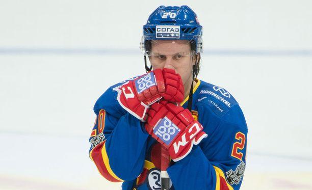 Eeli Tolvanen rikkoi maali-, syöttö- ja piste-ennätykset, mutta ei silti saanut Vuoden tulokas -palkintoa.
