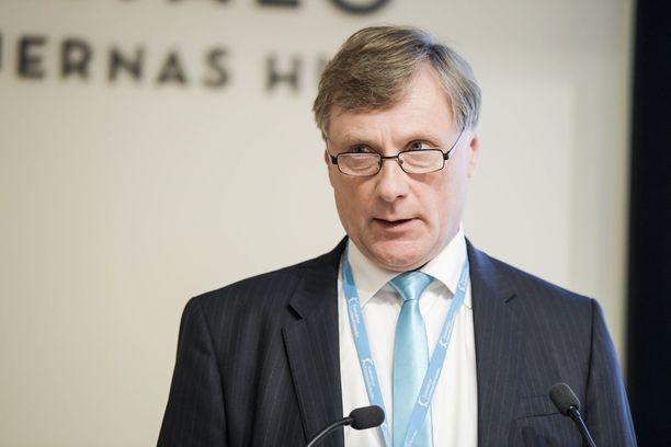 Entinen ministeri Jari Koskinen (kok) keskittyy nykyään metsänhoitoon.