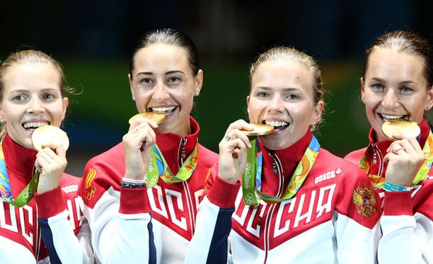Yekaterina Dyachenko, Yana Yegoryan, Yulia Gavrilova ja Sofya Velikaya miekkailivat itselleen olympiakultaa.