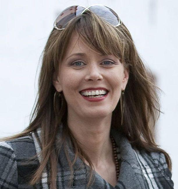 Susanna Sievinen istuu Suomen finaalin tuomaristossa.