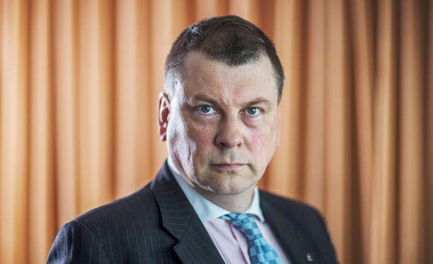 """EK:n työmarkkinajohtaja Ilkka Oksala sanoo, että """"monella suomalaisella yrityksellä menee hyvin, mutta valitettavan monella yrityksellä ei mene hyvin""""."""