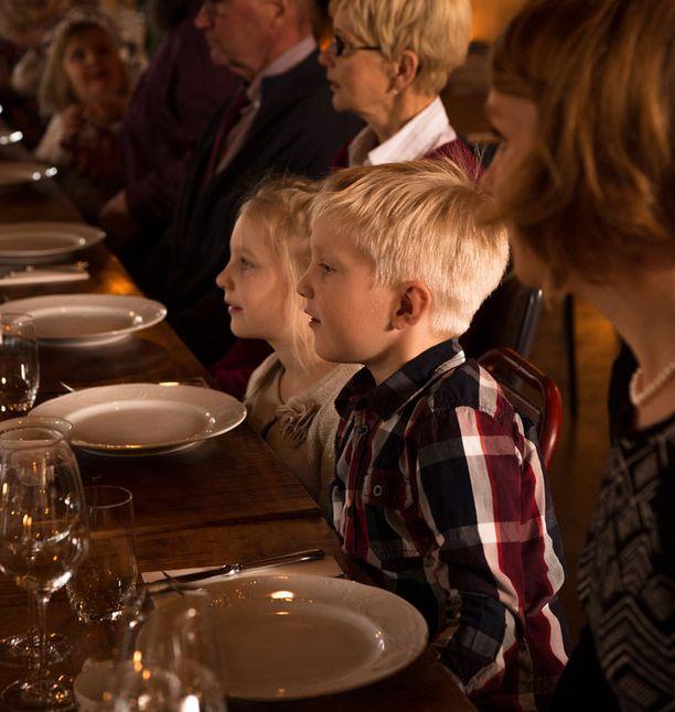 Oli ravintola miten lapsiystävällinen tahansa, ovat lapset aina vanhempiensa vastuulla.
