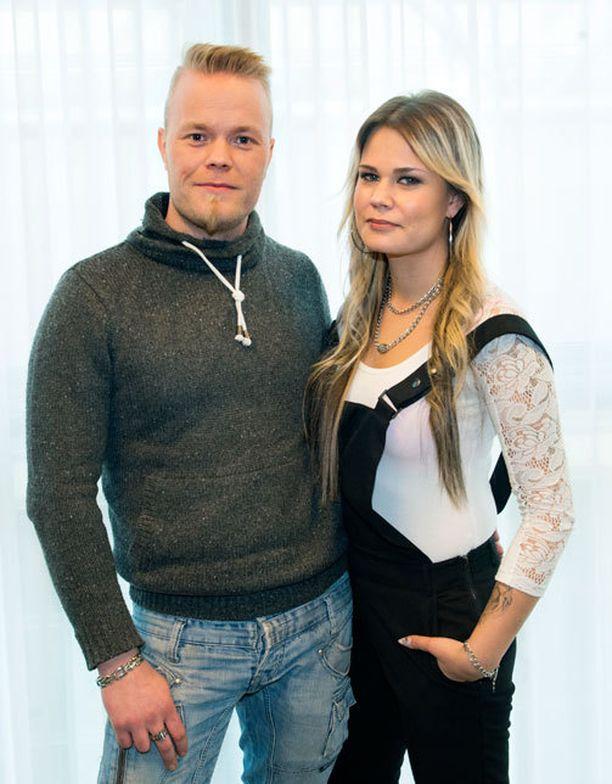 Palomies-kohun keskellä oleva Sami Tuomainen ja Krista Tampio asettivat suhteensa koetukselle reality-ohjelmassa.