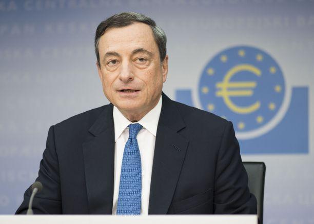 EKP:n ensi vuonna väistyvä pääjohtaja Mario Draghi totesi kesäkuussa, että keskeiset korot pysyvät nykytasolla vähintään kesään 2019 saakka.
