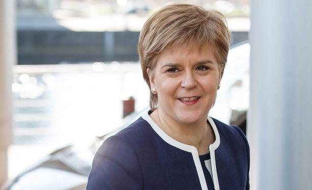 Skotlannin pääministerin Nicola Sturgeonin mukaan äänestystä tarvitaan, jotta Skotlanti voi päättää tulevaisuudestaan brexit-äänestyksen jälkeen.