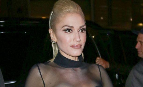 Gwen Stefani kohahdutti asullaan.