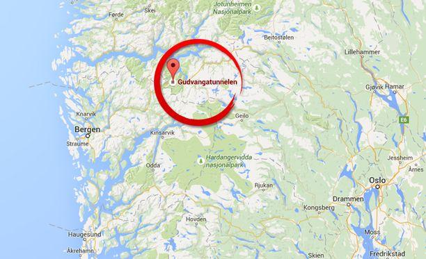 Bussi syttyi palamaan 11 kilometria pitkässä tunnelissa Norjan eteläosassa.