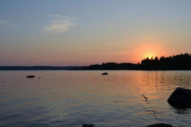 Nurmeksen mökiltä aukeavat Pielisen järvimaisemat ovat upeat.