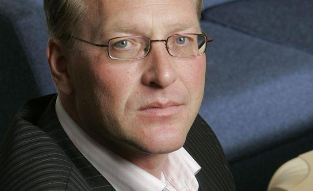 Paperiliiton puheenjohtaja Petri Vanhala yllättyi UPM:n nopeasta ratkaisusta.