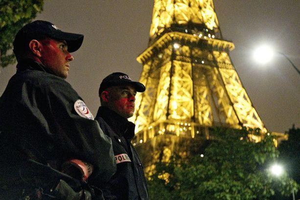 LISTALLA Pariisin Eiffel-tornin uskotaan olevan terroristien ykköskohteita. Suomesta yhtä houkuttelevia kohteita ei löydy.