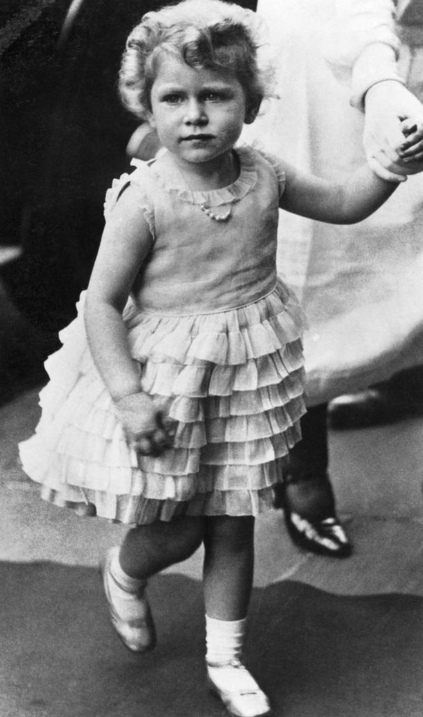 Prinsessa Charlotten isomummo, kuningatar Elisabet lapsena.