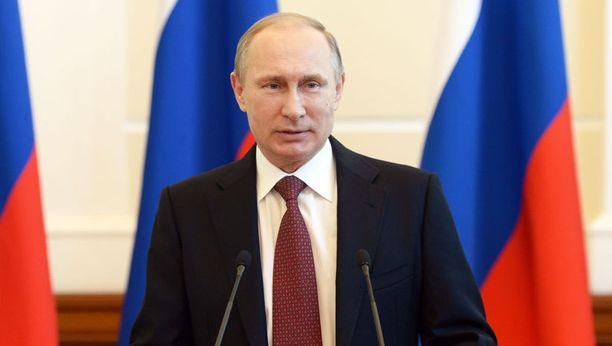 Britannian puolustusministeri varoittaa, että Venäjän presidentti Vladimir Putin saattaa kääntää seuraavaksi huomionsa Baltian maihin.