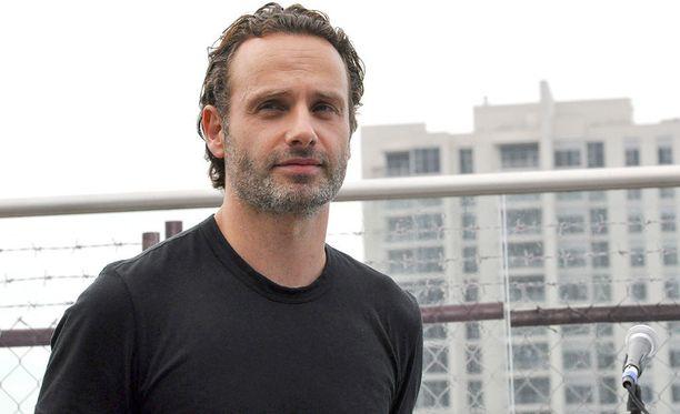 Andrew Lincoln, 44, on tunnettu englantilaisnäyttelijä. Mies tunnetaan myös sarjoista This Life ja Afterlife.