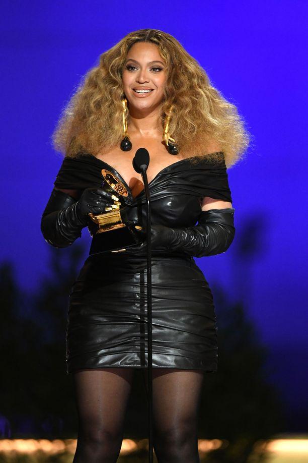 Beyoncé pokkasi neljä Grammya tämän vuoden gaalassa.