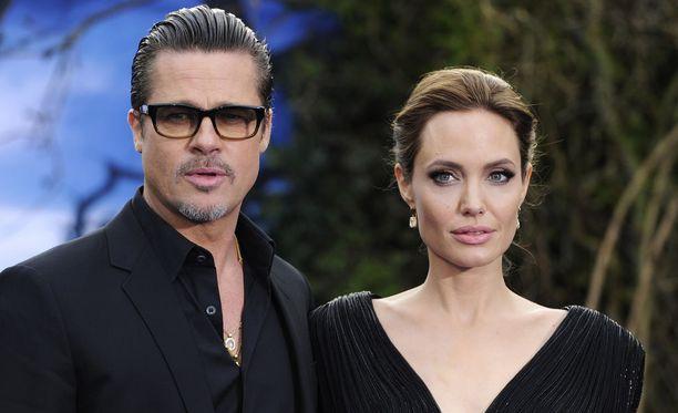 Angelina Jolie ja Brad Pitt ovat tehneet kesän ajaksi uuden yhteisiä lapsiaan koskevan huoltajuussopimuksen.