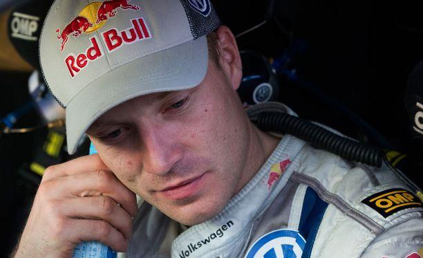 Jari-Matti Latvala lupaa olla huomenna hereillä heti aamusta.