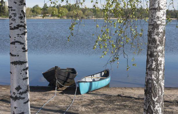Jos satut juhannuksena onnekkaalle paikkakunnalle, voit päästä nauttimaan hyvistä veneilysäistä.