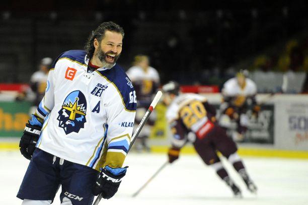Jaromir Jagr on viimeiset kaksi kautta edustanut omistamaansa Rytiri Kladnoa, jota hän vuosi sitten oli nostamassa Tshekin liigaan.
