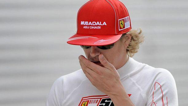 - Tämä oli tyypillinen perjantai. Iltapäivä sujui jo hieman paremmin. Ajat ovat toki, mitä ovat, Räikkönen kommentoi.