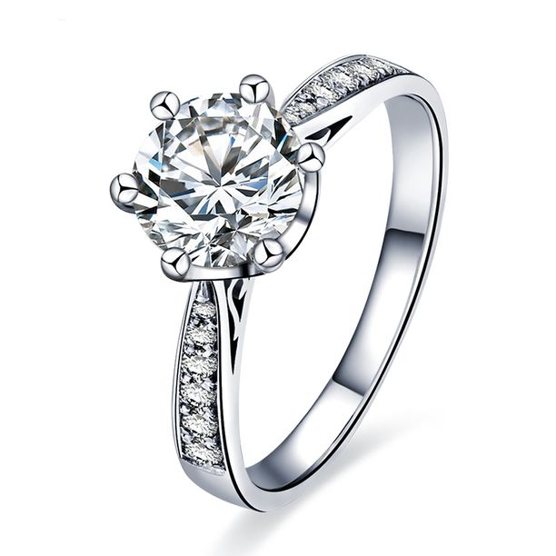 Tämän näköinen arvokas timanttisormus katosi asiakkaan asioidessa Tampereen Stockmannilla.