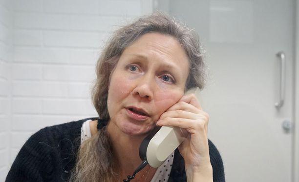 Asiantuntijan mukaan puhelun äänikerrostumia ei pystytä poistamaan ilman, että alla oleva ääni kärsii.