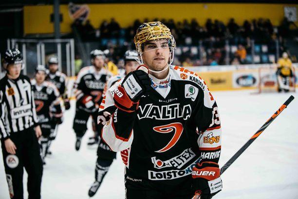 JYPin Julius Nättinen johtaa SM-liigan pistepörssiä.