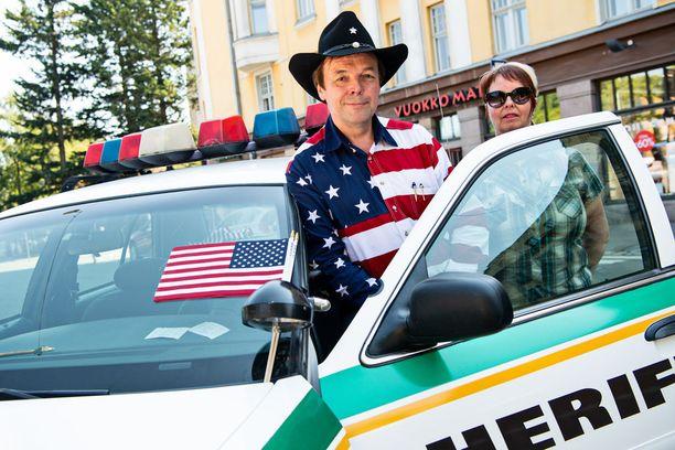 Jari Mäki valitsi kulkupeliksi vuoden 2001 sheriffiauton.