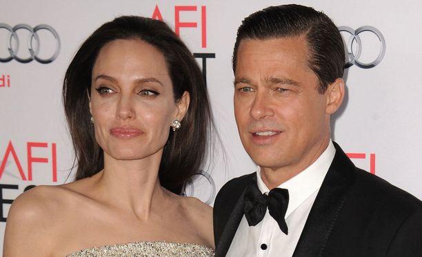 Angelina Jolien ja Brad Pittin ero kuohuttaa.