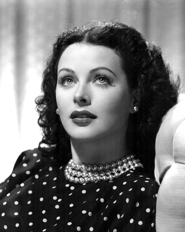 Hedy Lamarr kuvattuna vuonna 1944.
