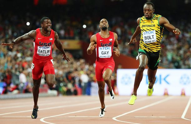 Justin Gatlin jäi maaliviivalla niukasti kakkoseksi, Usain Boltin voittaessa mestaruuden.