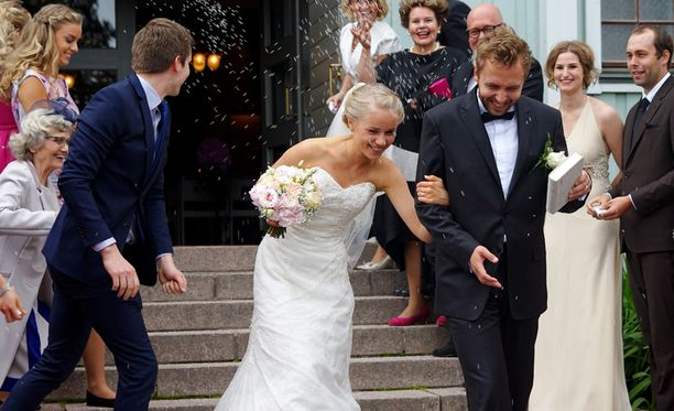 20-vuotias Esteri on Päivi ja Niilo Räsäsen toiseksi nuorin lapsi.