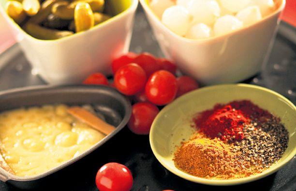 Tarjoile racletten kanssa myös raikasta salaattia.