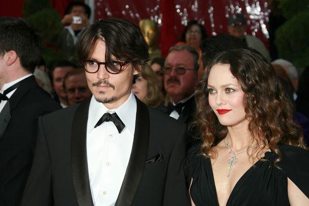 Tältä Johnny Depp ja Vanessa Paradis näyttivät helmikuussa 2008.