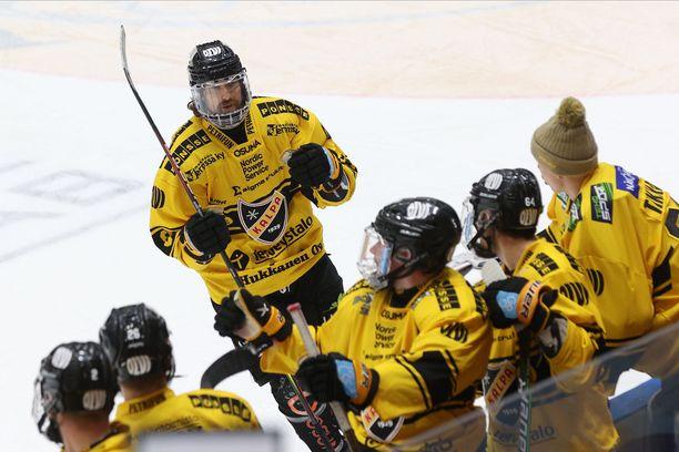 Kai Kantola laukoi kauden kymmenennen maalinsa.
