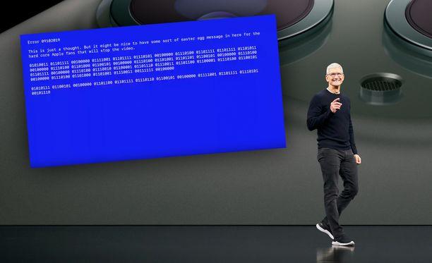 """Applen videolla vilahtaa """"virheilmoitus""""."""
