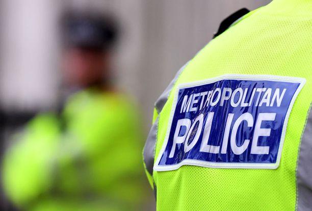 Suur-Lontoon poliisi otti viime viikon sunnuntaina kiinni suomalaismiehen epäiltynä terrorismirikoksesta.