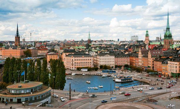 Suomeen jollakin tavalla juuret omaavien ihmisten määrä kasvaa Ruotsissa tasaisesti.