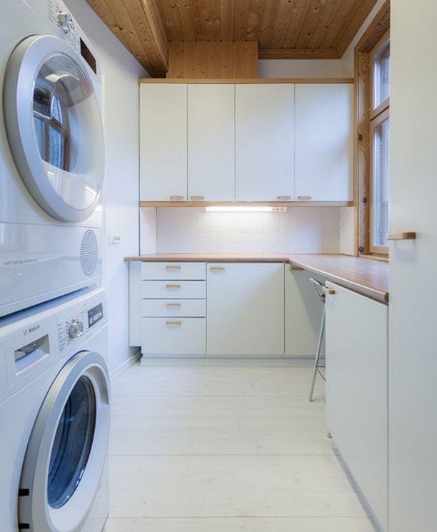 Kodinhoitohuoneessa on tilaa pyykätä.