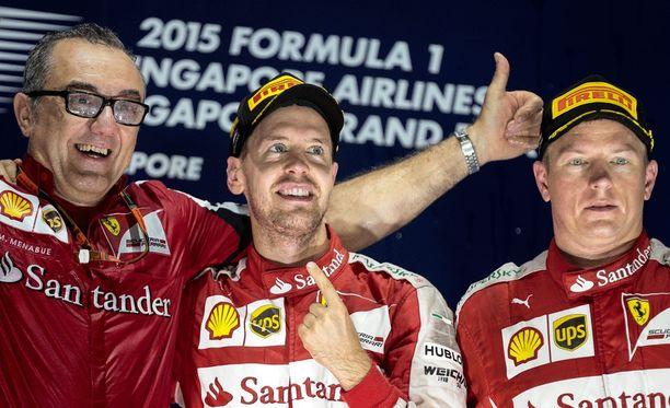 Ferrari-veteraani Modesto Menabue juhli Sebastian Vettelin ja Kimi Räikkösen kanssa.