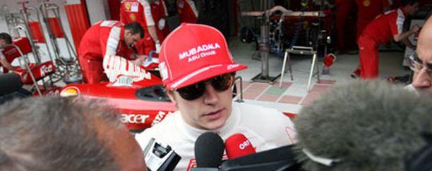 Joutuuko Kimi taas sunnuntaina median eteen selittelemään Ferrarin ongelmia?