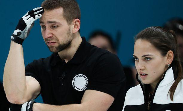 Aleksandr Krushelnitski ja Anastasia Bryzgalova voittivat pronssia.