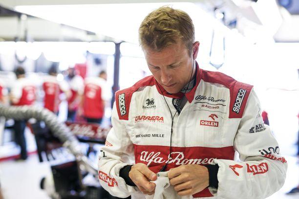 Kimi Räikkönen onnistui rytinästä huolimatta ajamaan maaliin saakka.