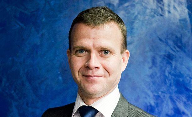 Sisäministeri Petteri Orpo pitää Tuotsin rajatarkastuksia hyvänä uutisena.