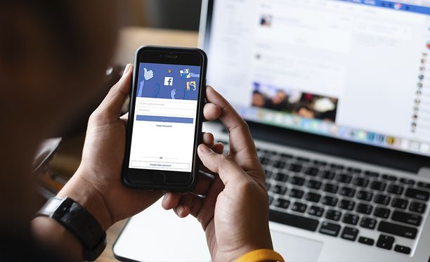 Facebook alkaa käyttää uutta logoa omistamissaan palveluissa.