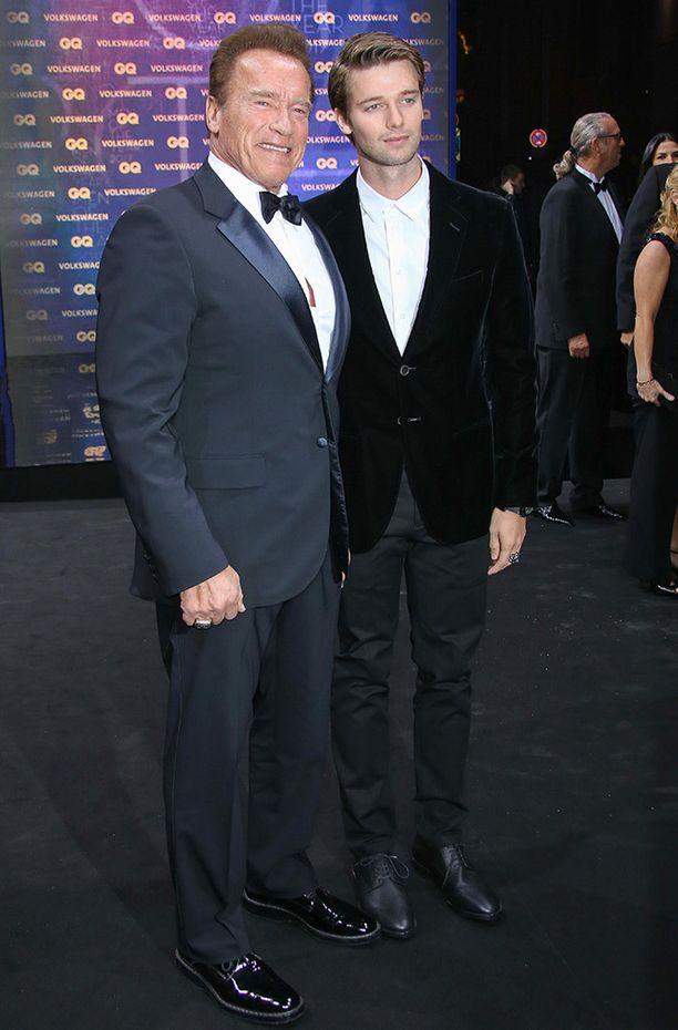 Patrickin isä on Arnold Schwarzenegger ja äiti Kennedyn sukuun kuuluva Maria Shriver.